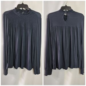 Cable & Gauge Navy Smocked Peasant Style Top Sz L